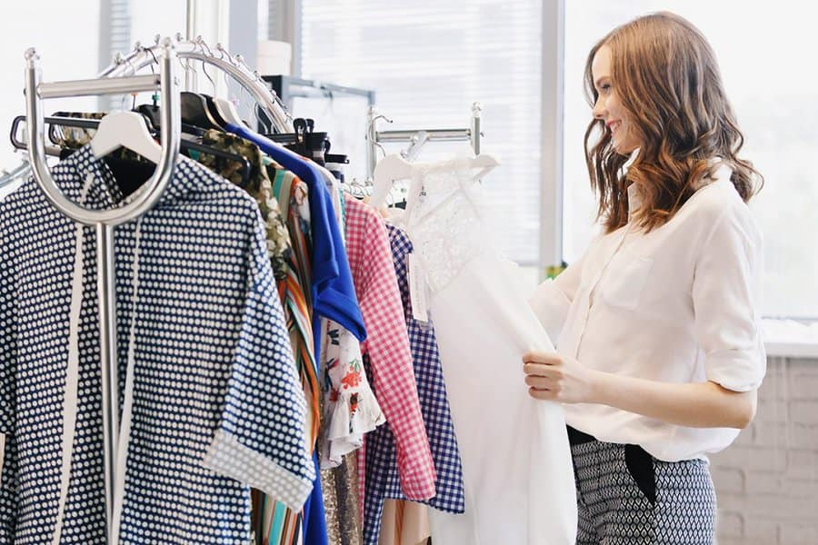 7 Tips on How to Become a Fashion Stylist - Articles ...